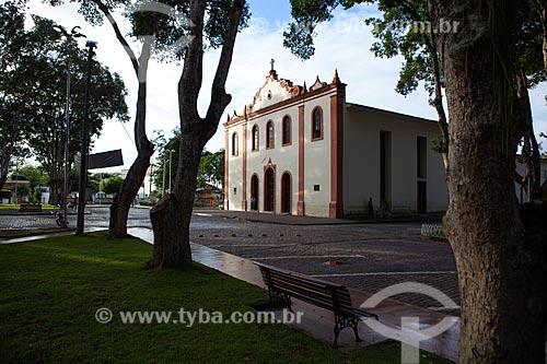Assunto: Vista da Igreja Nossa Senhora de Bonsucesso na Praça Senador Temístocles / Local: Cruz das Almas - Bahia (BA) - Brasil / Data: 07/2012