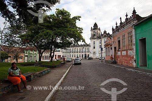 Assunto: Rua da cidade de Cachoeira com a Igreja-Hospital Santa Casa de Misericórdia (1729) - também conhecido como Hospital São João de Deus / Local: Cachoeira - Bahia (BA) - Brasil / Data: 07/2012