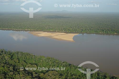 Assunto: Parque Nacional Serra da Mocidade - Rio Branco com o Parque Nacional Viruá ao fundo / Local: Caracaraí - Roraima (RR) - Brasil / Data: 03/2012