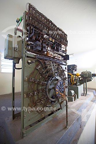 Assunto: Casa de máquinas do elevador - quadro de comando com seletor de parada - Modelo QKII Schindler (1950) / Local: Rio de Janeiro (RJ) - Brasil / Data: 08/2012