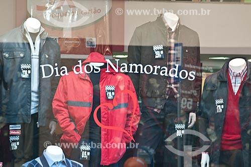 Assunto: Vitrine de comércio no centro da cidade / Local: Porto Alegre - Rio Grande do Sul (RS) - Brasil / Data: 06/2012