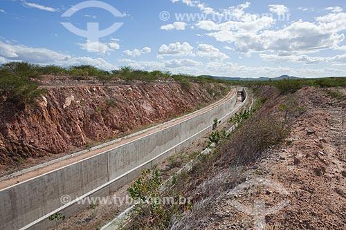 Assunto: Canal do Sertão Alagoano obra do PAC 2 iniciada em 2002 que pretende levar água do rio São Francisco desde Delmiro Gouveia até Arapiraca em uma extensão de 250 km / Local: Delmiro Gouveia - Alagoas (AL) - Brasil / Data: 06/2012