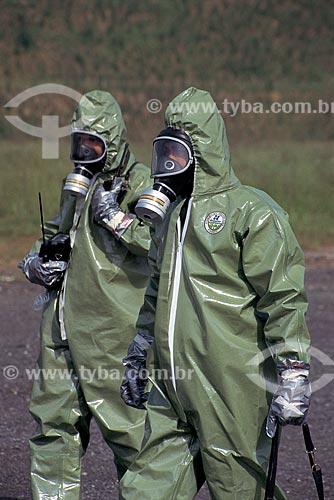 Assunto: Uniforme de segurança - máscara de proteção contra gás e poluição do ar / Local:  / Data: