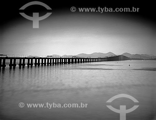 Assunto: Vista da Ponte Presidente Costa e Silva (1974) - também conhecida como Ponte Rio-Niterói / Local: Rio de Janeiro (RJ) - Brasil / Data: 09/2012
