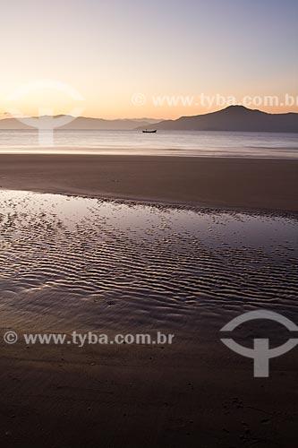 Assunto: Pôr do sol na Praia da Daniela / Local: Florianópolis - Santa Catarina (SC ) - Brasil / Data: 10/2012