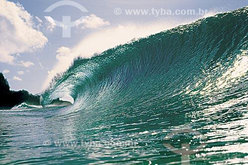 Assunto: Onda na Praia Cacimba do Padre / Local: Fernando de Noronha - Pernambuco (PE) - Brasil / Data: 1999