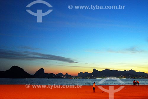 Assunto: Praia de Icaraí com cidade do Rio de Janeiro ao fundo / Local: Icaraí - Niterói - Rio de Janeiro (RJ) - Brasil / Data: 08/2007