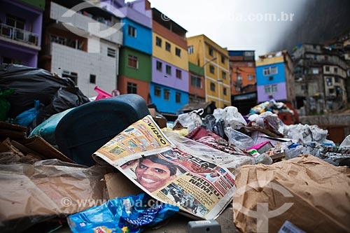 Assunto: Lixo acumulado na entrada da Favela da Rocinha durante a ocupação para a implantação da Unidade de Policia Pacificadora (UPP) / Local: São Conrado - Rio de Janeiro (RJ) - Brasil / Data: 11/2011