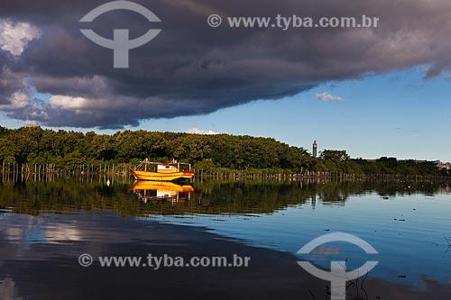 Assunto: Canal na Ilha do Fundão na Cidade Universitária / Local: Rio de Janeiro (RJ) - Brasil / Data: 05/2012