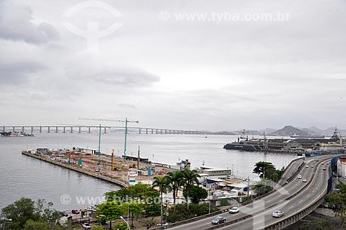 Assunto: Obras de construção do Museu do Amanhã com a Ponte Rio-Niterói ao fundo / Local: Praça Mauá - Rio de Janeiro (RJ) - Brasil / Data: 09/2012