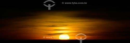 Assunto: Pôr do sol no Mar Arábico - também conhecido como Mar Árabe, Mar da Arábia ou Mar de Omã - foto feita à 35000 pés de altitude / Local: Emirados Árabes Unidos - Ásia / Data: 07/2011