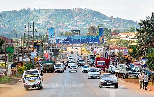 Assunto: Tráfego na Rodovia Entebbe / Local: Lyamutundwe - Entebbe - Uganda - África / Data: 06/2010