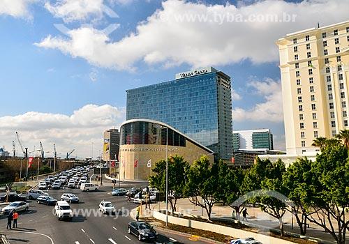 Assunto: Vista da Avenida Coen Steytler com o Centro Internacional de Convenções da Cidade do Cabo / Local: Cidade do Cabo - África do Sul - África / Data: 07/2010