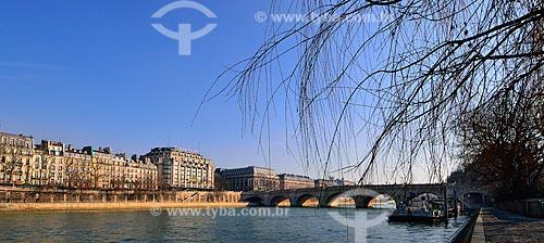Assunto: Rio Sena com a Pont Neuf (Ponte Nova) (1607) ao fundo / Local: Paris - França - Europa / Data: 02/2012