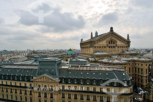 Assunto: Edifícios de Paris com o Palais Garnier (Ópera Garnier) (1875) ao fundo / Local: Paris - França - Europa / Data: 02/2012
