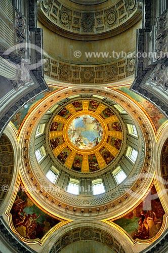 Assunto: Cúpula da Catedral de Saint-Louis-des-Invalides - onde está sepultado Napoleão Bonaparte / Local: Paris - França - Europa / Data: 02/2012