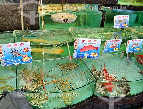 Assunto: Típico restaurante Chinês - os aquários mantêm os peixes ainda vivos para que possam ser consumidos frescos / Local: Distrito de Xiguan - Guangzhou - China - Ásia / Data: 08/2010