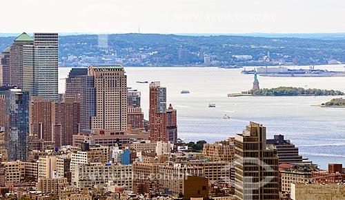 Assunto: Prédios com o Rio Hudson e a Estátua da Liberdade no fundo / Local: Manhattan - Nova Iorque - Estados Unidos - América do Norte / Data: 09/2010