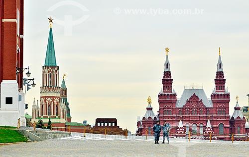 Assunto: Policiamento na Praça Vermelha com o Museu Histórico do Estado da Rússia (1872) ao fundo / Local: Moscou - Rússia - Europa / Data: 09/2010