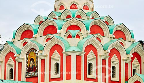 Assunto: Detalhes da Catedral Kazan (1625) - construída originalmente em 1625, demolida em 1936 durante a vigência do comunismo e reinaugurada idêntica à catedral original em 1993 / Local: Moscou - Rússia - Europa / Data: 09/2010