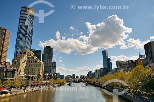 Assunto: Rio Yarra com a Southgate - passarela de pedestre - ao fundo / Local: Melbourne - Austrália - Oceania / Data: 10/2010