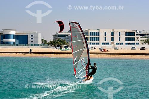 Assunto: Windsurf na Praia de Jumeirah / Local: Jumeirah - Dubai - Emirados Árabes Unidos - Ásia / Data: 02/2011