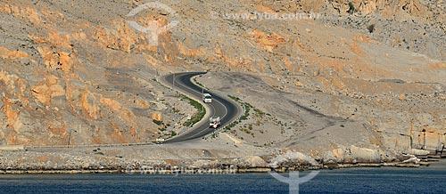 Assunto: Veículos na Estrada 02 / Local: Musandam - Omã - Ásia / Data: 02/2011