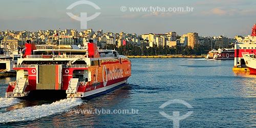 Assunto: Balsas fazendo o trajeto entre as ilhas gregas / Local: Pireu - Grécia - Europa / Data: 04/2011