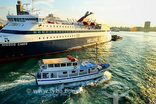 Assunto: Barcos no Porto do Pireu pela manhã / Local: Pireu - Grécia - Europa / Data: 04/2011