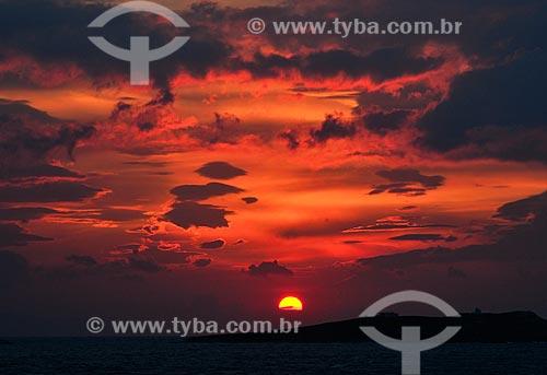 Assunto: Pôr do sol na ilha de Agios Georgios / Local: Ilha de Míconos - Grécia - Europa / Data: 04/2011