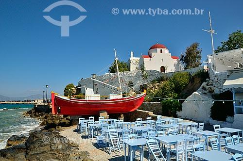 Assunto: Barco utilizado para a decoração de um restaurante / Local: Ilha de Míconos - Grécia - Europa / Data: 04/2011