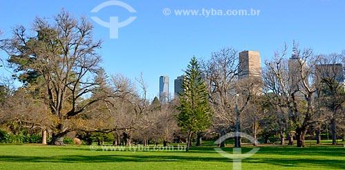 Assunto: Jardim Fitzroy com prédios ao fundo / Local: Melbourne - Austrália - Oceania / Data: 07/2011