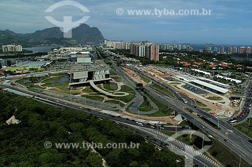Assunto: Vista do  Bosque da Barra, Cidade da Música e terminal BRT (Bus Rapid Transit) à direita / Local: Barra da Tijuca - Rio de Janeiro (RJ) - Brasil / Data: 01/12