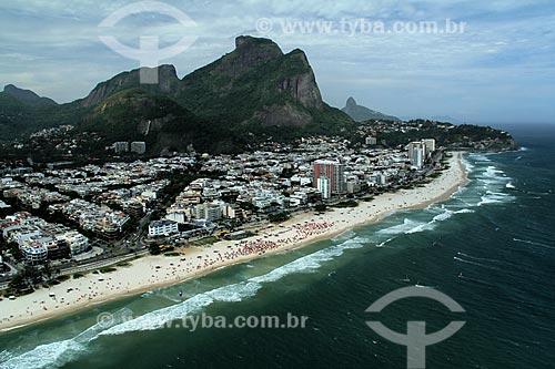 Assunto: Vista aérea do bairro residencial Jardim Oceânico com Pedra da Gávea ao fundo  / Local: Barra da Tijuca - Rio de Janeiro - RJ / Data: 12/2012