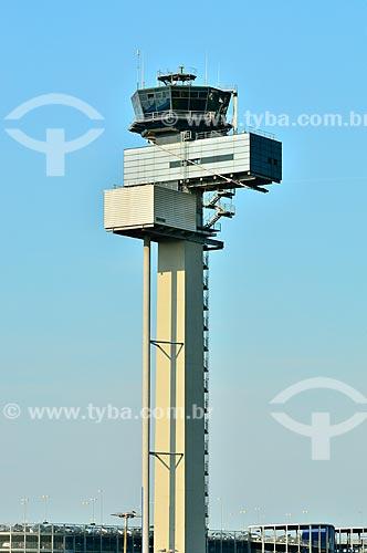 Assunto: Torre de controle de tráfego aéreo do Aeroporto Internacional de Düsseldorf / Local: Düsseldorf - Alemanha - Europa / Data: 09/2011