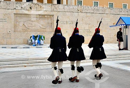 Assunto: Evzones - soldados de elite - guardando o Monumento ao Soldado Desconhecido na Praça Sintagma / Local: Atenas - Grécia - Europa / Data: 04/2011