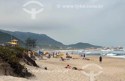 Assunto: Banhistas na Praia Mole / Local: Santa Catarina (SC) - Brasil / Data: 10/2011