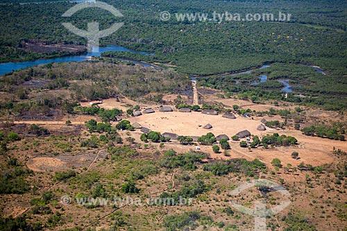 Vista aérea da aldeia Tuatuari - Tribo Yawalapiti - às margens do Rio Tuatuari  - Gaúcha do Norte - Mato Grosso - Brasil