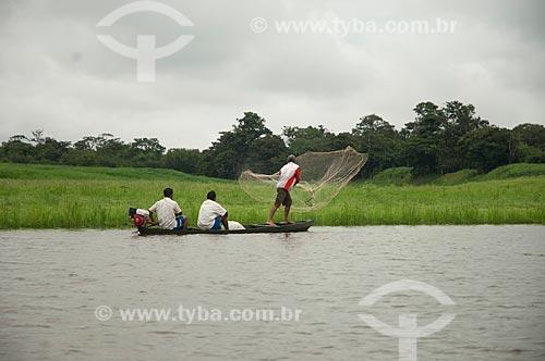 Assunto: Pescadores no Lago Mamirauá / Local: Amazonas (AM) - Brasil / Data: 10/2007