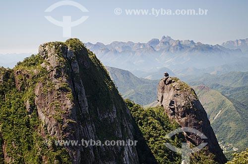 Assunto: Nariz do Frade com verruga - à direita - com Três Picos de Salinas ao fundo / Local: Teresópolis - Rio de Janeiro (RJ) - Brasil / Data: 09/2012