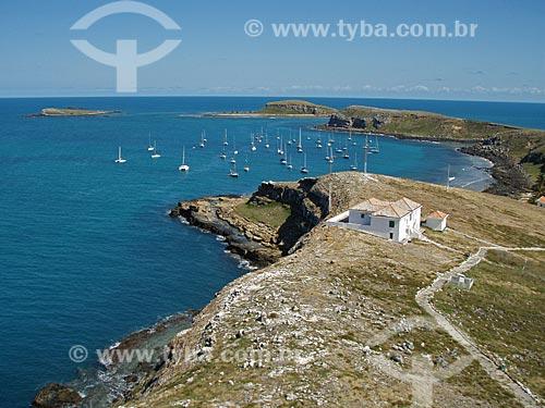 Assunto: Vista do topo do farol de Abrolhos - Ilha de Santa Bárbara / Local: Parque Nacional Marinho dos Abrolhos - Bahia (BA) - Brasil / Data: 08/2008