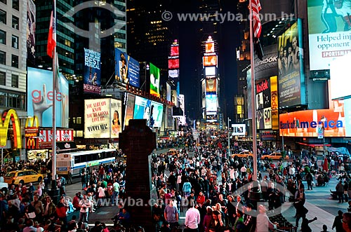 Assunto: Pessoas na Times Square / Local: Manhattan - Nova Iorque - Estados Unidos - América do Norte / Data: 05/2011