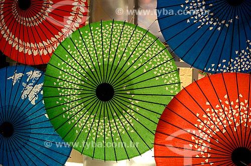 Assunto: Comércio de guarda-chuvas em Chinatown / Local: Manhattan - Nova Iorque - Estados Unidos - América do Norte / Data: 05/2011