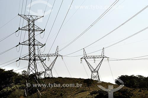Assunto: Linhas de transmissão de energia próximo a BR-116 (Rodovia Rio-Teresópolis) / Local: Magé - Rio de Janeiro (RJ) - Brasil / Data: 09/2012