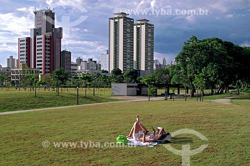 Assunto: Mulheres tomando sol no Parque da Juventude  / Local: Santana - São Paulo (SP) - Brasil / Data: 11/2009