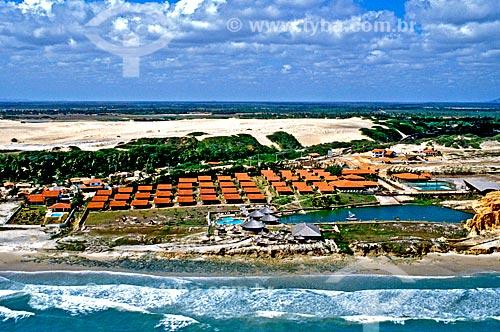 Assunto: Vista da praia das Fontes e Aqua Villa Pousada / Local: Beberibe - Ceará (CE) - Brasil / Data: 1993
