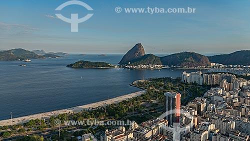 Assunto: Enseada de Botafogo com o Morro Cara de Cão, Pão de Açúcar e o Morro da Babilônia ao fundo / Local: Botafogo - Rio de Janeiro (RJ) - Brasil / Data: 12/2012