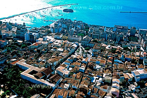 Assunto: Vista do centro histórico de Salvador com Forte de São Marcelo e Baía de Todos os Santos ao fundo / Local: Salvador - Bahia (BA) - Brasil / Data: 2001
