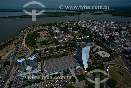 Vista aérea do Ministério Público, Secretaria de Educação e do Centro Administrativo do Estado do Rio Grande do Sul (CAERGS) - também conhecido como Centro Administrativo Fernando Ferrari   - Porto Alegre - Rio Grande do Sul - Brasil