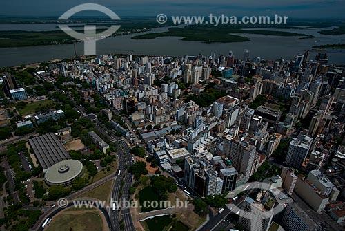 Assunto: Vista aérea da Companhia de Processamento de Dados do Estado do Rio Grande do Sul (PROCERGS) - à esquerda - com o Lago Guaíba ao fundo / Local: Porto Alegre - Rio Grande do Sul (RS) - Brasil / Data: 12/2012